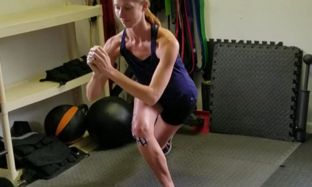 Reverse to Curtsy Lunge – Thigh Burner
