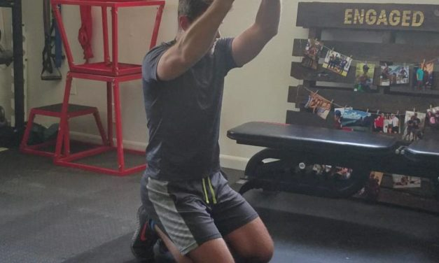 Move It Monday – Tall Kneeling Plate Raise
